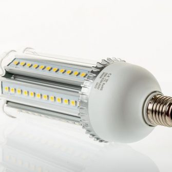 18 Watt cool white LED corn bulb with frosted cover